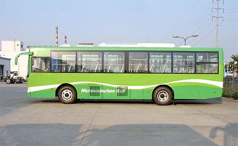 大庆公共汽车-星环保公交再赴大庆  G的双燃料城市客车是亚星客车的成熟产品,造型