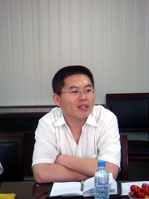 交运集团董事长_运鸿集团董事长图片