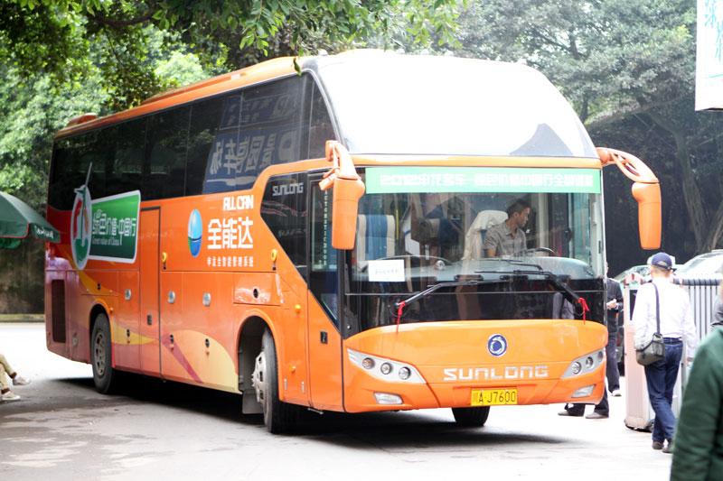 申龙客车在峨眉山景区