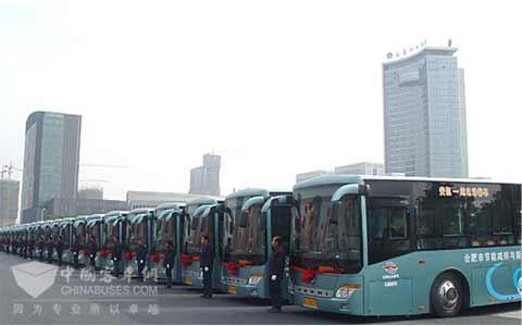 搭载江淮底盘的安凯客车