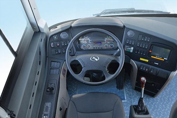 金龙客车XMQ6119FY公路客车驾驶室