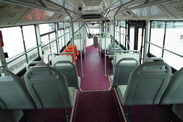 恒通客车CKZ6126HNHEVB5恒瑞混合动力客车座舱