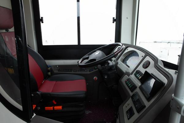 恒通客车CKZ6126HNHEVB5恒瑞混合动力客车驾驶室