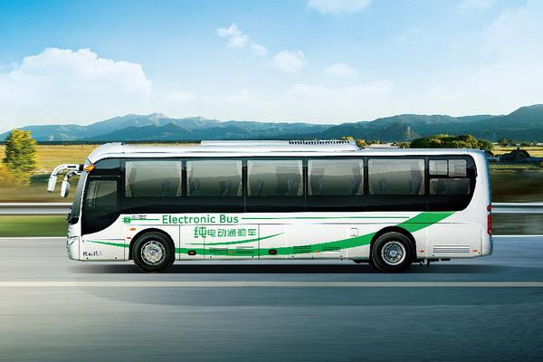 金龙客车XMQ6110BCBEV纯电动通勤车侧方