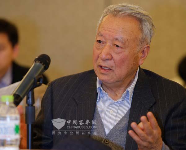 科技部新能源汽车重大项目专家组组长王秉刚
