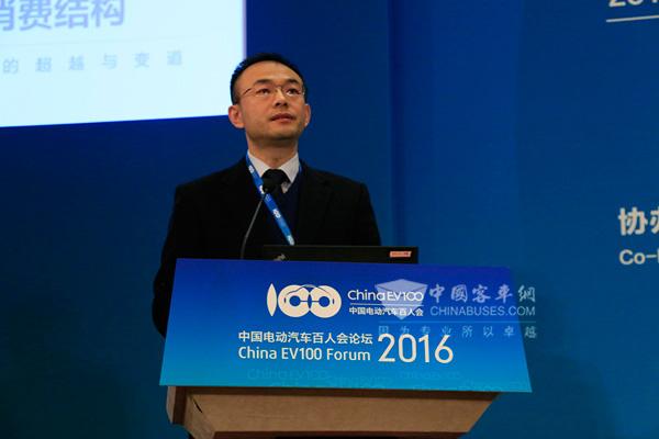 郑刚  北京新能源汽车股份有限公司党委书记、总经理