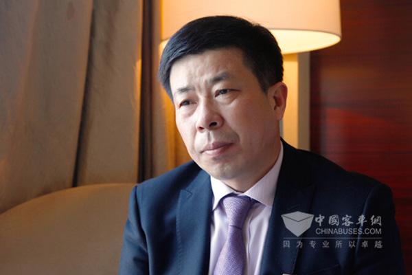 人大代表李祥斌:财政要补贴新能源公交