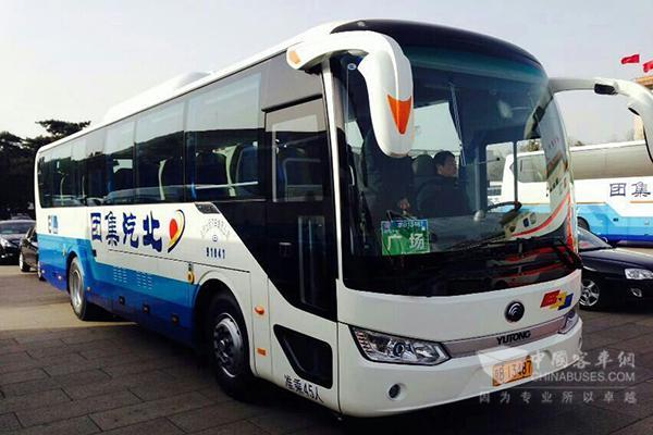 服务于2016年全国两会的宇通E10纯电动客车