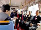 2008年各级领导参加中车时代电动首批车下线仪式,乘坐新能源公交