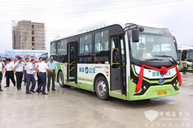 比亚迪纯电动公交K7首进广东山区县高清图片