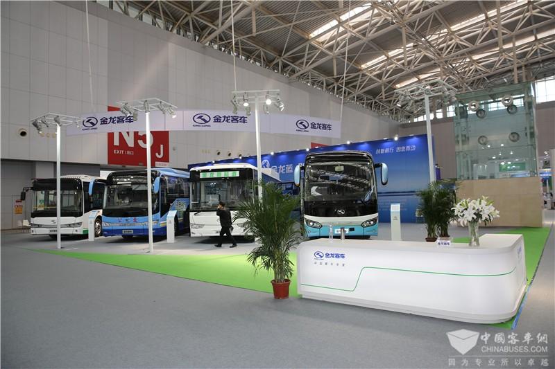 2017天津客车展:金龙客车展台
