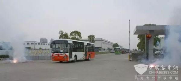 首批安源客车出口非洲