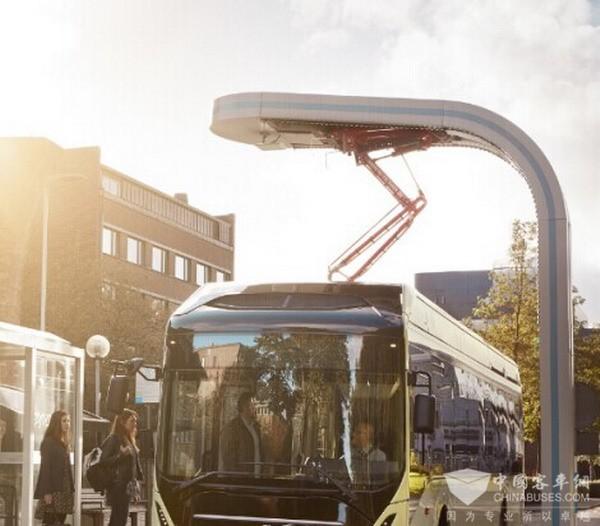 上海申沃客车携18米BRT亮相2017上海国际车展