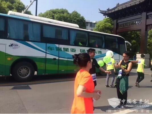 亚星客车服务扬州鉴真国际马拉松赛