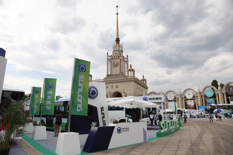 2017北京道路运输展:申龙客车展台