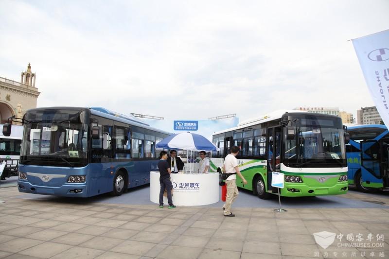 2017北京道路运输展:少林客车展台