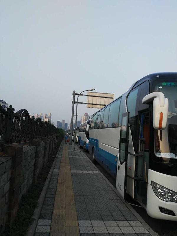 北京婚庆大巴租车 学校包车 昌平旅游大巴租赁公司