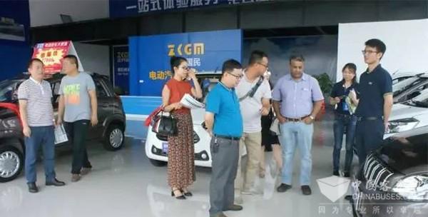 非洲和缅甸客人莅临安源客车