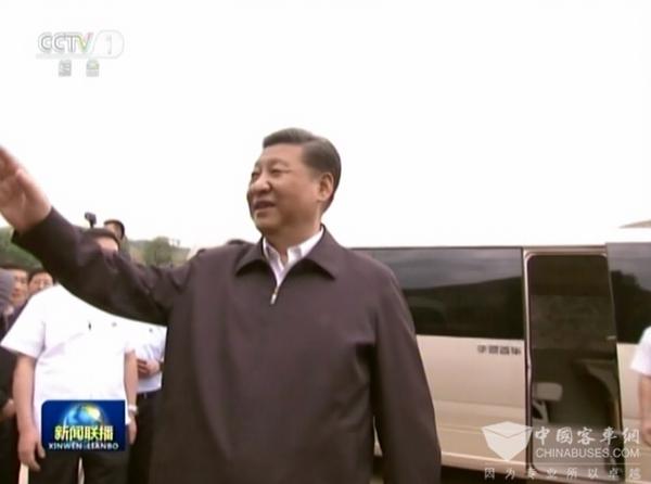 习近平主席乘坐宇通T7 彰显中国高端制造崛起