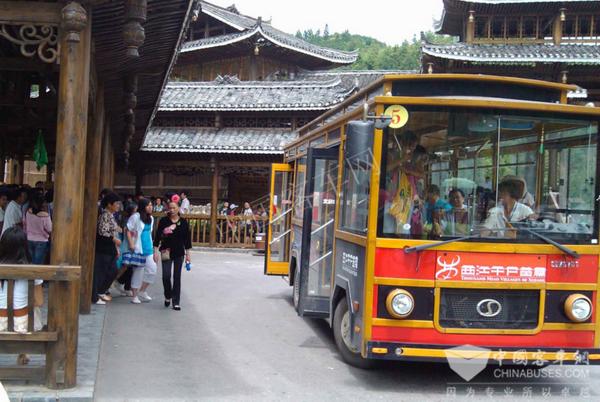 工匠精神之上是艺术情怀—旅游客车之路外观篇