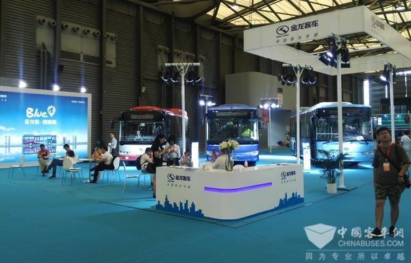 金龙客车三款新能源车型绿动2017年上海国际客车展览会