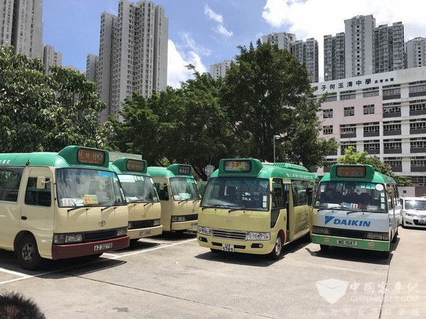 香港首条国产巴士线路 首批金旅欧六标准小巴上路
