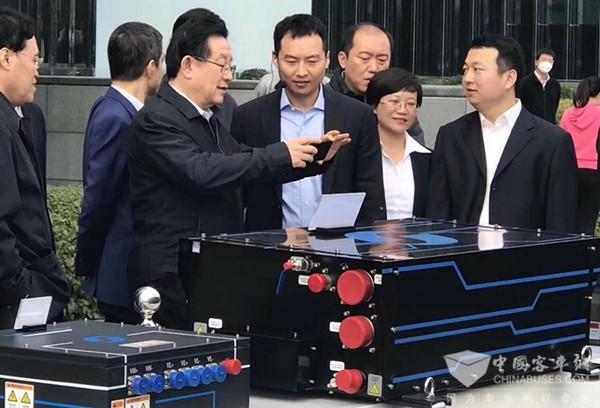 万钢视察亿华通,鼓励燃料电池产业发展要顶天立地,铺天盖地
