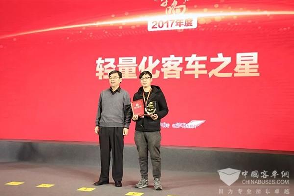不忘品质初心 影响中国客车业扬子江实力演绎精彩