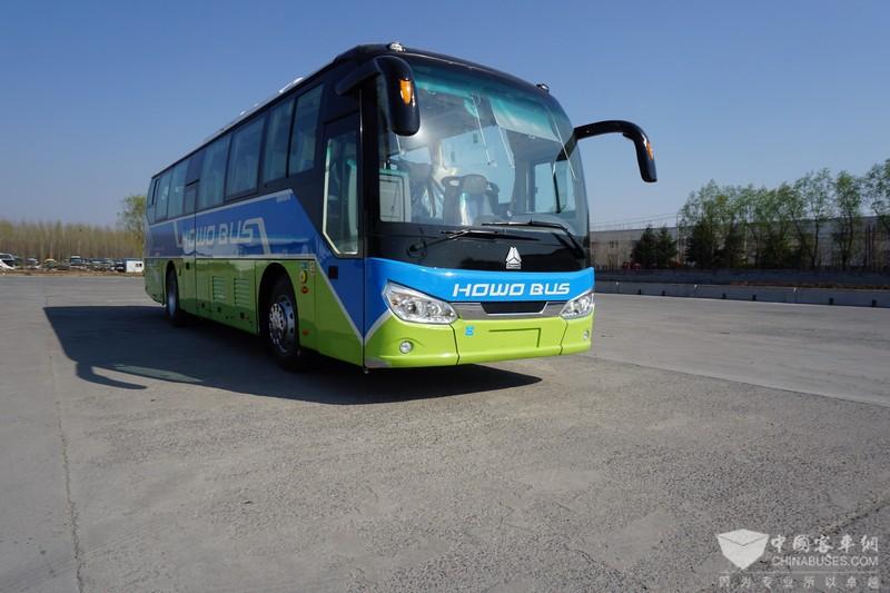 重汽48座高一级11米纯电动团体客车