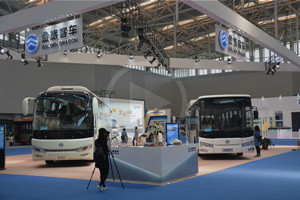 视频新闻 金旅客车重磅出击天津客车展