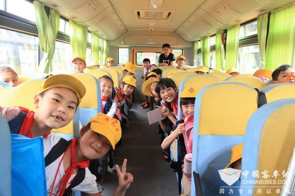 童年有趣,守护有你 儿童节再谈安全校车的上佳选择