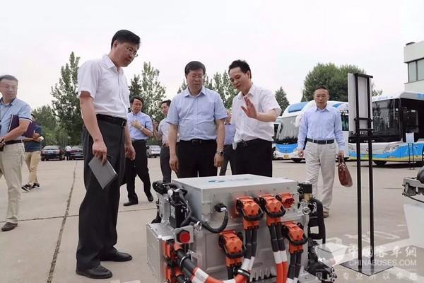 亿华通新一代燃料电池发动机产品发布