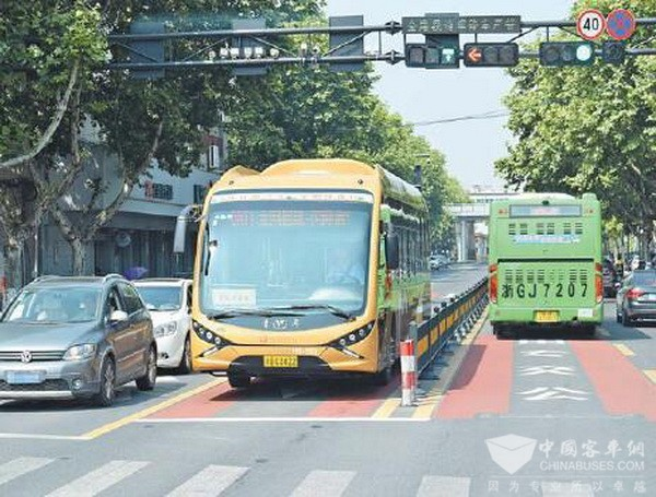 浙江义乌:550辆新能源公交车助力商城低碳出行