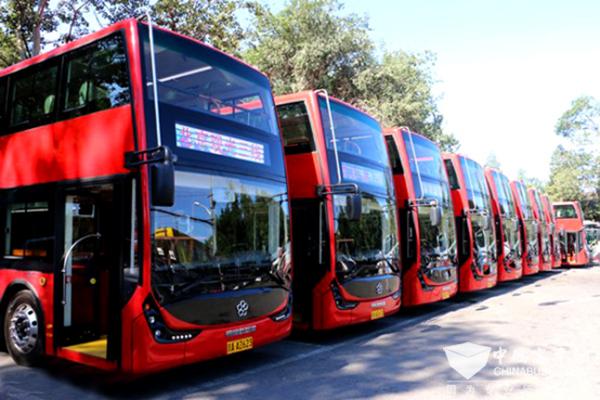 来!乘坐这几款双层巴士 带上家人一起赏景观花