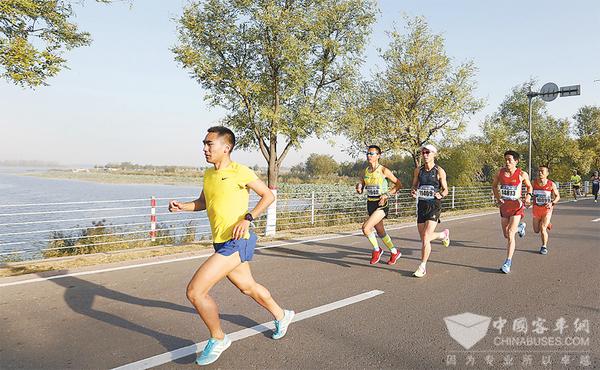 金旅实力护航衡水湖国际马拉松赛