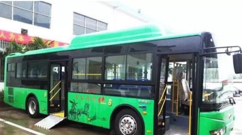 山西:太原投放280辆气电混合无障碍公交