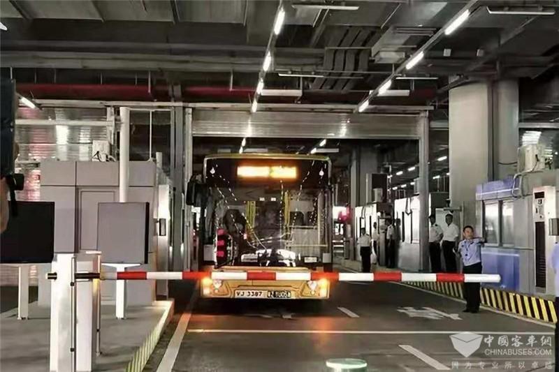 港珠澳大桥斯堪尼亚·海格穿梭巴士初体验