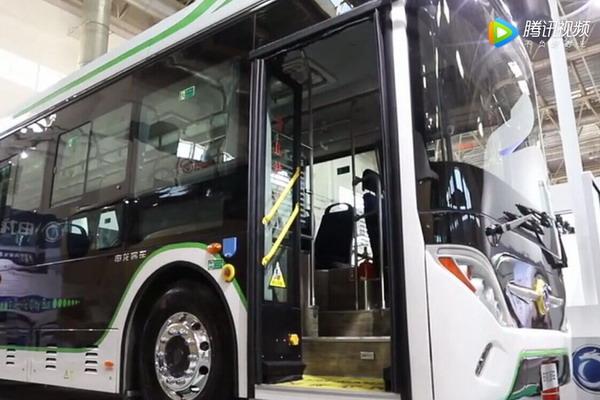 申龙SLK6101UBEVY车型介绍