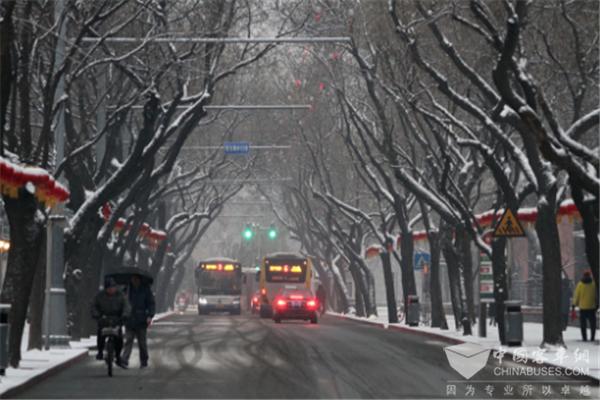 北京:受降雪影响 仍有9条市郊公交线路采取临时措施