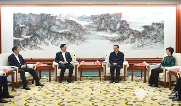 中国中车集团公司与贵州省政府签署战略合作框架协议