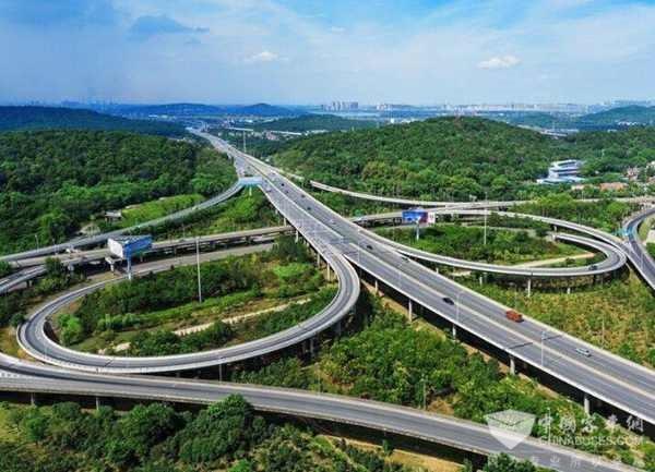 山东:4月12日,国内首个智能网联高速公路测试基地开始启动建设