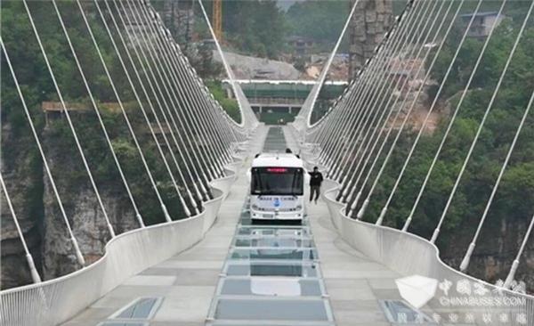 """从挑战""""世界第一玻璃桥""""看安凯无人驾驶技术发展""""加速度"""""""