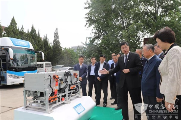 亿华通自主燃料电池发动机获山东省委书记点赞