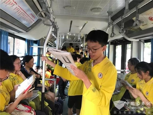 湖北:宜昌公交 高考路上交出