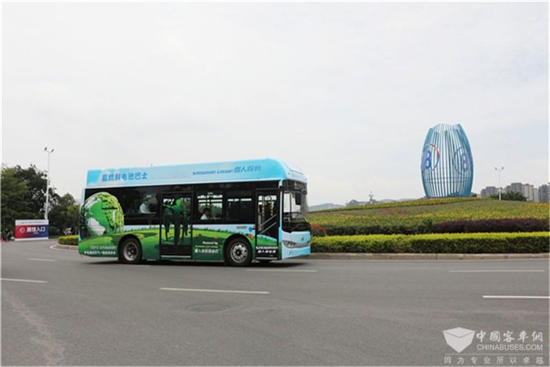 金龙氢燃料客车上线服务6·18  (1)