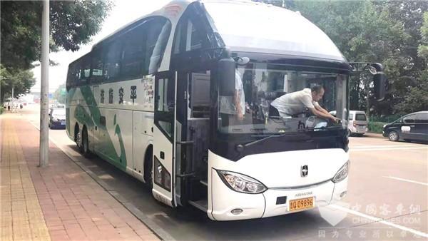 亞星全系車型又赴山東 為臨沂旅游保駕護航