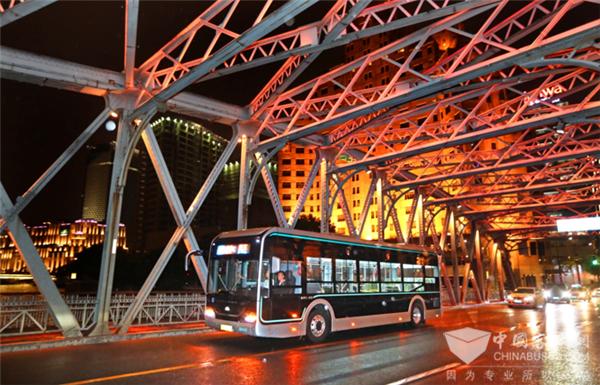 创新求变 宇通全新造型高端公交打造城市新名片