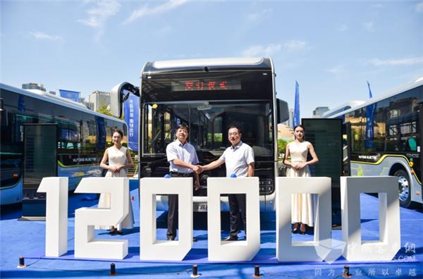 公交行业迎来变革!宇通造型DNA树立行业新标杆