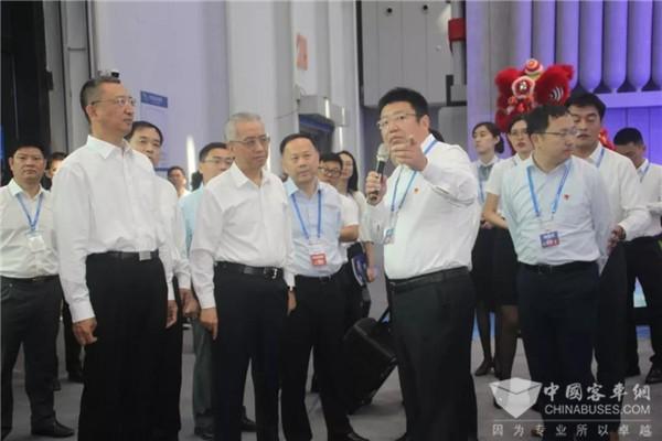 """实力引发""""氢速度""""! 福田欧辉12米氢燃料城市客车惊艳2019珠洽会"""