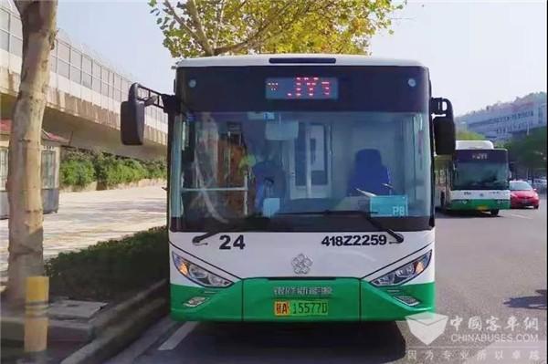 军运会上显身手!银隆新能源经典公交车提供出行保障